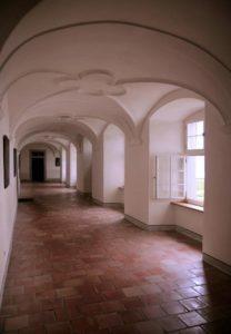 Kreuzgang-Kloster-Frauenthal-2.jpg